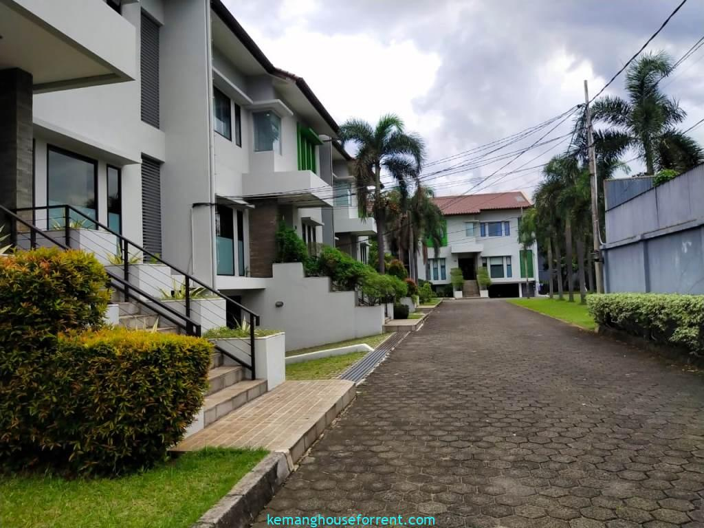 compond for rent cipete area